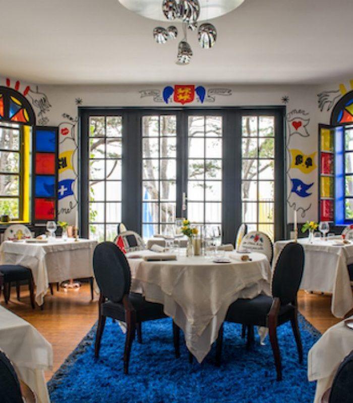 La vue et la table* - Le Donjon - Domaine Saint Clair