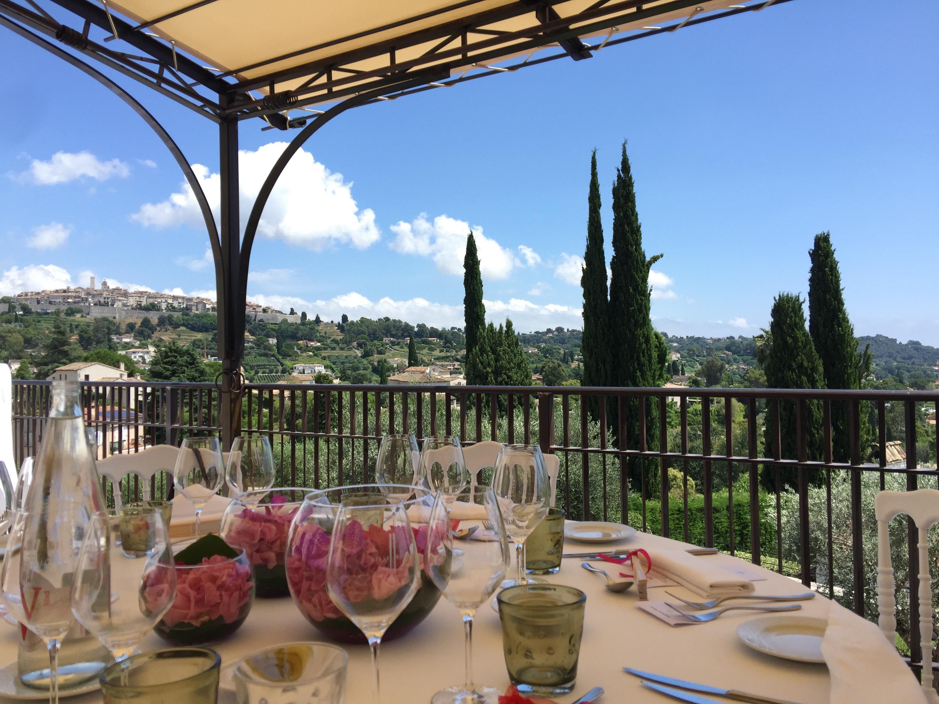 """HOTEL **** ET RESTAURANT ALAIN LLORCA - Menu """" la Saison par Alain Llorca""""   3 plats et fromages"""