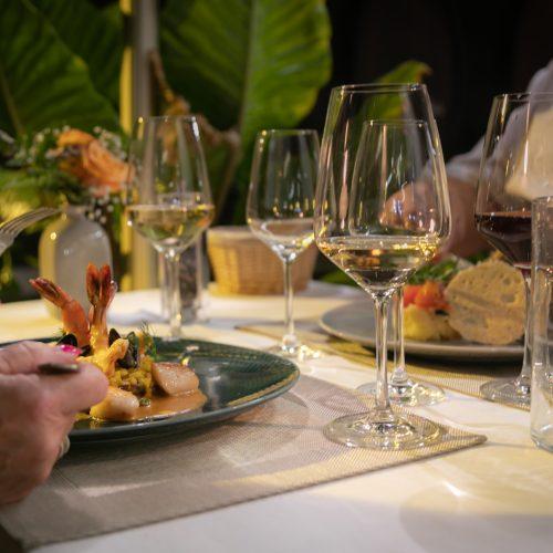 RESTAURANT AU VIEUX PORCHE - Menu Gourmet Tout Compris