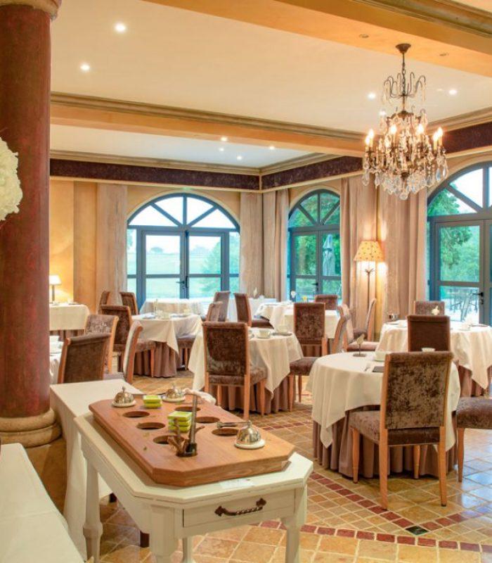 MENU DÉCOUVERTE AU RESTAURANT LES FRESQUES - SA Château des Vigiers Golf Country Club