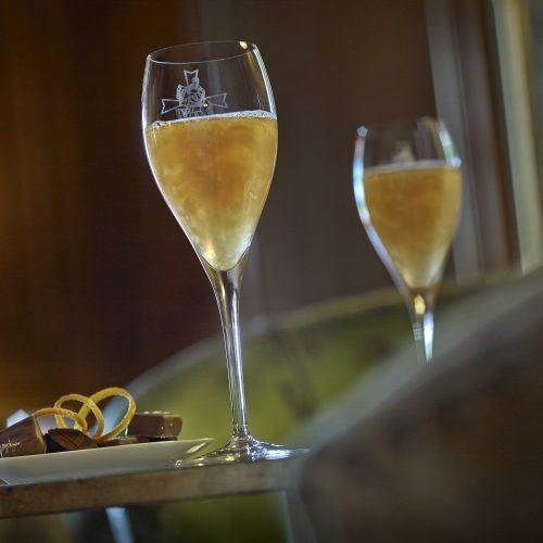 Château Saint-Martin & Spa - Champagne et canapés ou petits fours, au Rossini