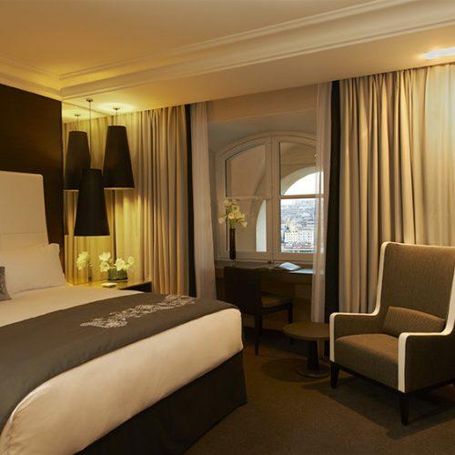 INTERCONTINENTAL MARSEILLE - HOTEL DIEU - Une nuit face au Vieux-Port