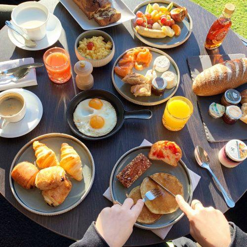 HOTEL ET SPA LE PAVILLON - RESTAURANT LA ROTONDE - Le petit déjeuner du Pavillon