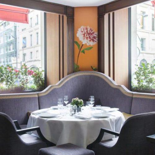 - Un repas au 114 Faubourg