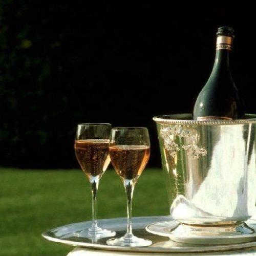 LE CHATEAU D'ETOGES - Balade en Champagne : Nuit, dîner, petit déj. & visite de cave