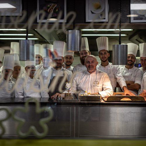 LE CHAMBARD - Matinée dans les cuisines d'Olivier NASTI