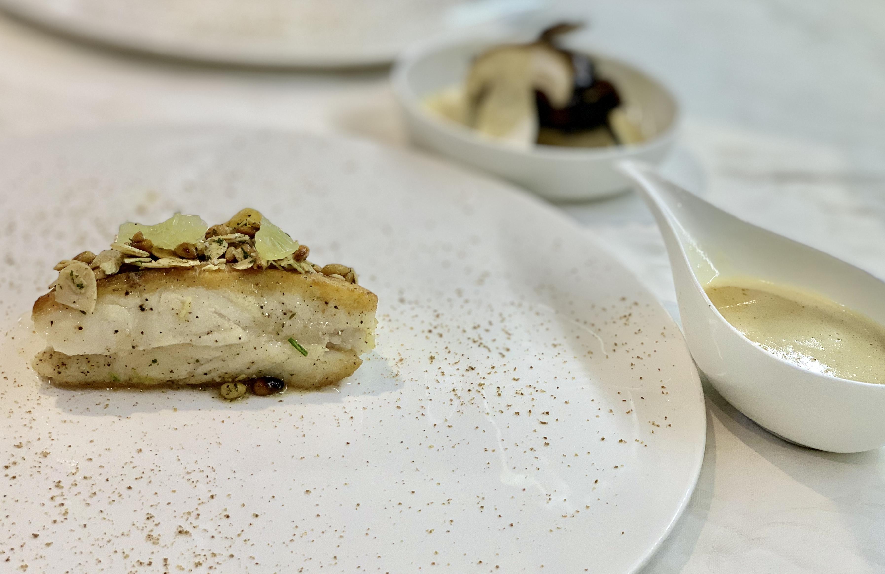 """HOSTELLERIE DE LEVERNOIS - LA TABLE DE LEVERNOIS Menu """"Gourmet"""""""