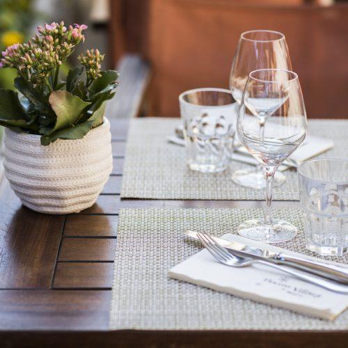 """FLOCONS DE SEL - Coffret Cadeau Restaurant - Déjeuner ou Diner au Bistrot """"Flocons Village"""" Avec accord mets et vins"""